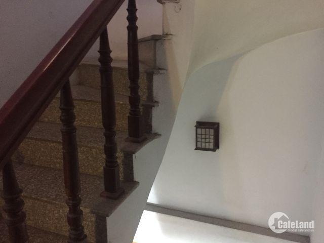 Nhà 3 tầng việt hưng long biên,40m2,vị trí đẹp,nhà đẹp,giá phù hợp