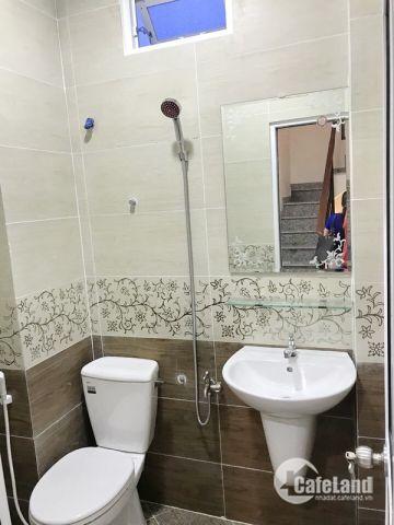 Bán gấp nhà 1 lững 2 lầu mới đẹp hẻm 88 Nguyễn Khoái quận 4 (nở hậu 6m).