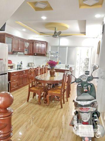 Cần bán nhà 3 lầu mặt tiền Huỳnh Tấn Phát, phường Phú Thuận quận 7, dt 4x16m. Giá: 7 tỷ