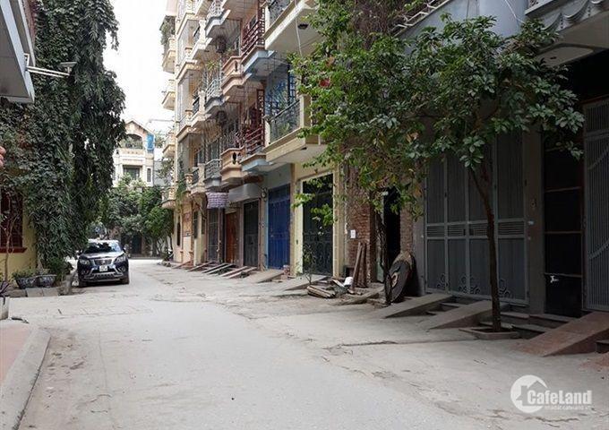 Bán nhà ô tô đỗ cửa phố Yên Hòa, MT 5m 6,8 tỷ.