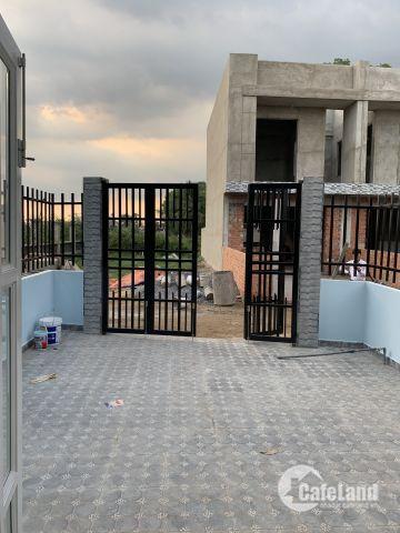 Chủ nhà định cư nước ngoài bán gấp nhà gần chợ Bình Chánh