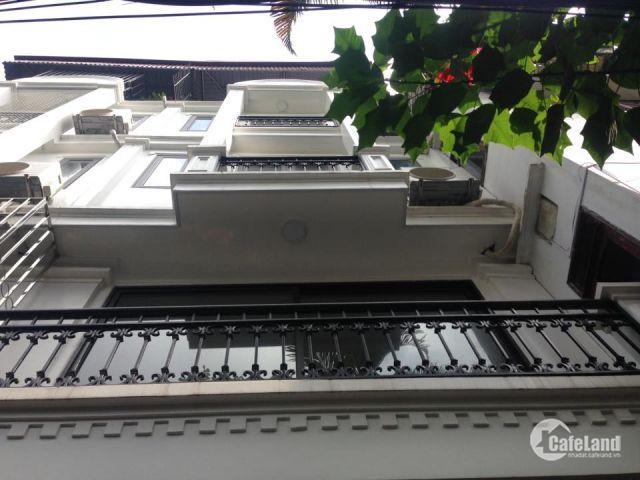 nhà ngõ phố Phạm Ngọc Thạch 45m2 MT4m 4.5T 15tr/th làm vp,ttđt,chdv,hộ gd