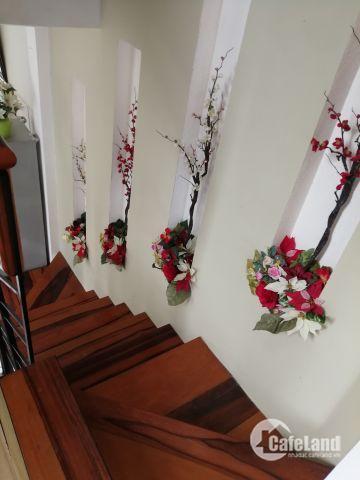 Nhà nguyên căn đường Thống Nhất Nha Trang, 6 tầng giá thuê 35tr/tháng