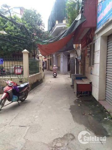 Chỉ 3,4 tỷ mua ngay nhà mới 5 tầng tại Phạm Văn Đồng – Cầu Giấy, kinh doanh tốt, gần chợ gần trưởng, ngõ 3 xe máy tránh, cách ô tô tránh  20m, an ninh đỉnh cao