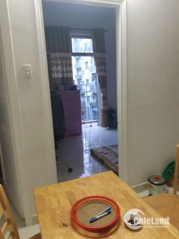 cần bán 1 căn hộ chung cư Q12, cách ủy ban 500m