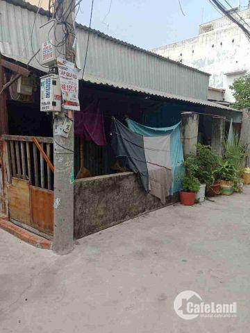 Nhà nát 6x16 góc 2 mặt hẻm xe hơi 1135/27/22 Huỳnh Tấn Phát
