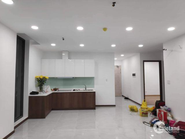 Cho thuê căn hộ Calla Graden, mặt tiền đường Nguyễn Văn Linh. Gồm 3PN, 86 m2, căn góc, nội thất cơ bản. 10triệu