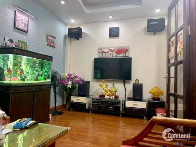 Bán nhà PL phố Liễu Giai, Ba Đình 43m2 x 4T ngõ thông oto tránh, LH: 0976094199