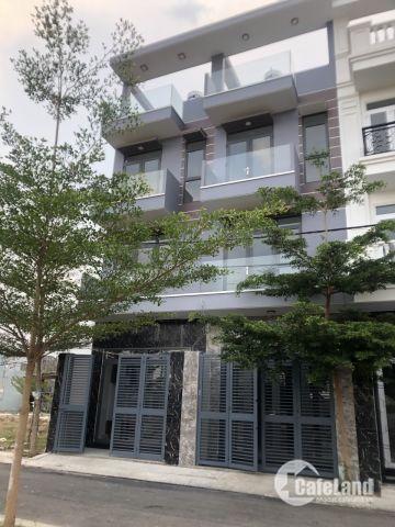 Bán nhà phố Cần bán gấp nhà mới xây , thoáng mát , gần đường Huỳnh Tấn Phát