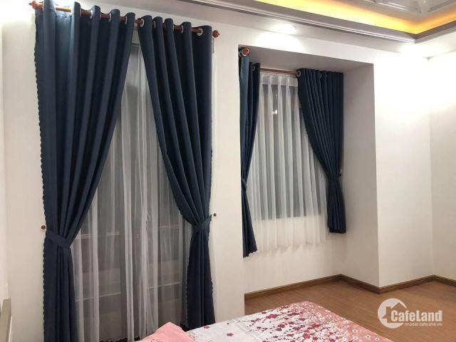 Bán nhà phố đường Huỳnh Tấn Phát,3 lầu, 4 PN, sân thượng, tặng Full nội thất, giá 5.9 tỷ