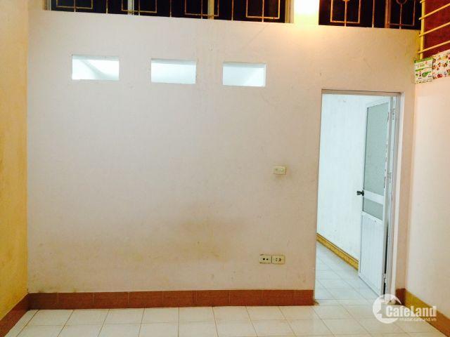Cho thuê nhà để làm văn phòng hoặc để ở tại phố Quan Nhân, Hà Nội
