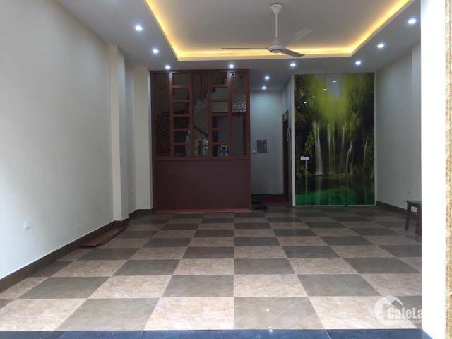 Cho thuê BT liền kề khu FLC Sài Đồng, 80m2x5T giá 20tr/th. LH 0967341626.