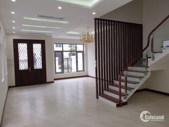 Cần cho thuê căn biệt thự ở Vinhomes Reverside, nội thất cơ bản với giá 40tr/tháng. Lh.0859.672.333
