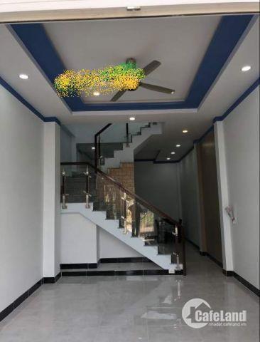 Cho thuê nhà đường 990 Phú Hữu, 1 trệt 3 lầu, 5 phòng ngủ