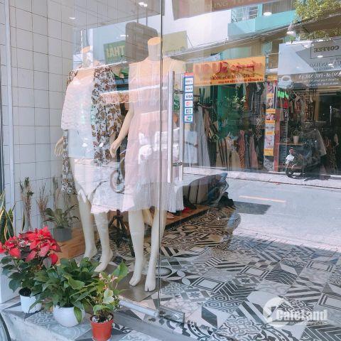 Sang mặt bằng shop thời trang nữ