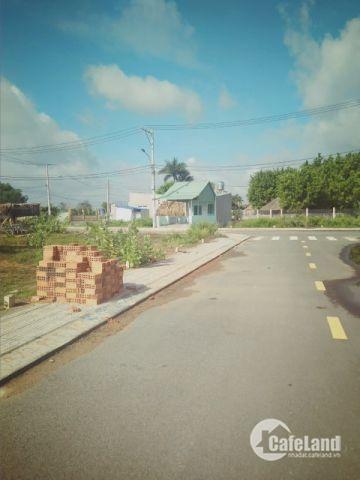 Cần bán đất ngay chợ Long Phước, 850tr, shr.