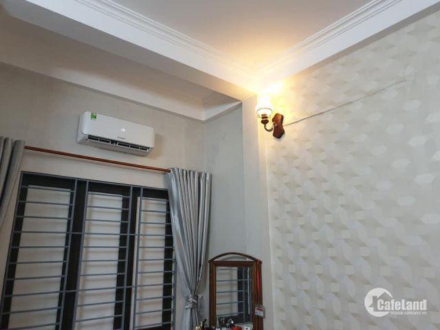 (Vi Tùng) Nhà mặt phố kinh doanh vỉa hè mặt tiền 4m5 16.8 tỷ Phạm Hồng Thái Ba Đình