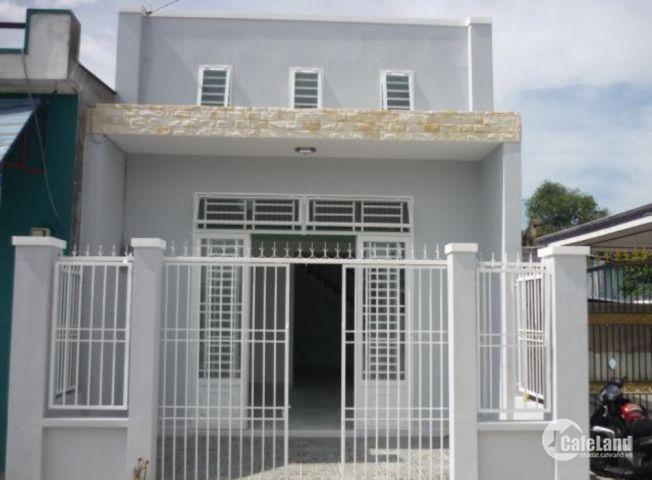 Cần ra đi căn nhà mới xây giá 1Tỷ tại gần Trung Tâm Thị Trấn Bến Lức