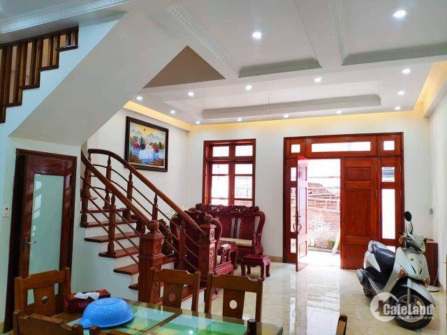 Bán nhà phố Nguyễn Văn Huyên, vài bước ra phố, 55m2x5 tầng, MT 4.2m, 5 tỷ, LH 0941253366