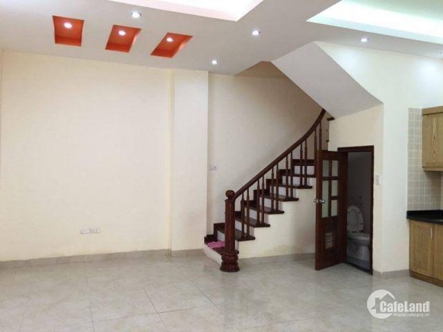 Bán nhà 2 mặt thoáng Phạm Ngọc Thạch 50m2 x 5 tầng ô tô đỗ gần nhà.