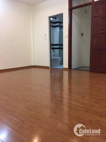 Chính chủ bán nhà đẹp ở đường Láng, gần Phố 39Mx5T, giá hơn 3 tỷ.