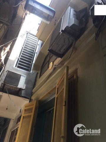Chỉ có 3,7 Tỷ nhà 5,5 tầng ĐẸP tại phố Tây Sơn, DT33m2, khu vực dân trí cao,thông thoáng