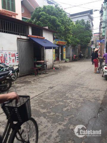 Bán 103m2 trục chính Cửu Việt, trung tâm thị trấn Trâu Quỳ. Giá 50tr/m2.