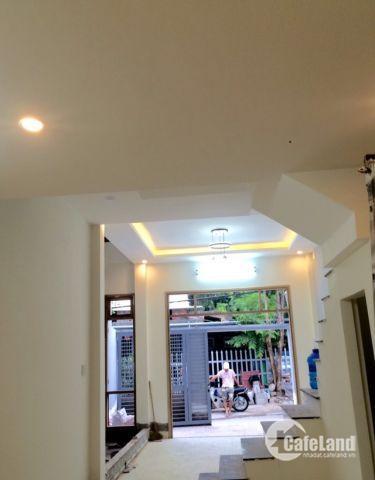 Căn nhà 2 tầng với 67m2 có giếng trời thoáng mát tp Huế.