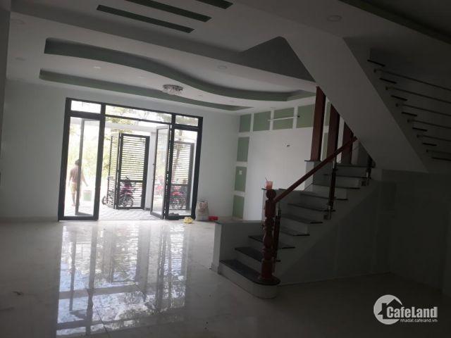 Bán nhà Chính đường Lê Văn Lương- nhà bè, dt: 52m2