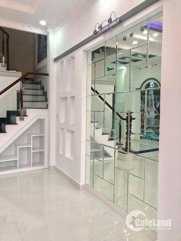 Tôi bán gấp căn nhà 1 trệt 2 lầu đường Lê Văn Lương, Phước Kiển