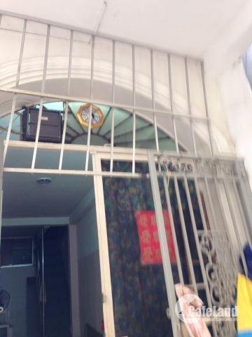 Bán nhà đầu hẻm đường Lê Thị Riêng,Phường Bến Thành,Q 1,Dt 14m2,Giá 3 tỷ, TL, LH 0933334829