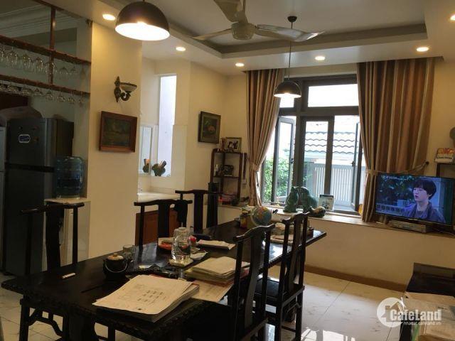 Biệt thụ cho tầng lớp Thượng Lưu, trung tâm Quận 3 , ngang 17m, diện tích gần 300m.