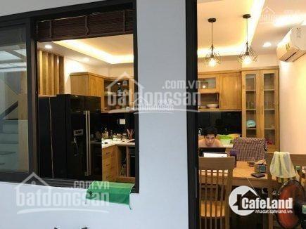 Cần bán nhà,đường số 6,P.Long Phước,Q.9,Dt 84m,tức 7 x 12,2 mặt tiền,Giá 5,6 tỷ,Lh : 0933334829