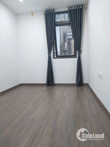 Bán nhà đẹp, Khương Đình, 5 tầng, ô tô đỗ cửa, 2,6 tỷ.