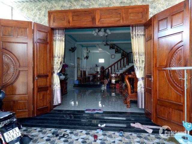 cần bán gấp căn nhà tại đường Huỳnh Văn Luỹ