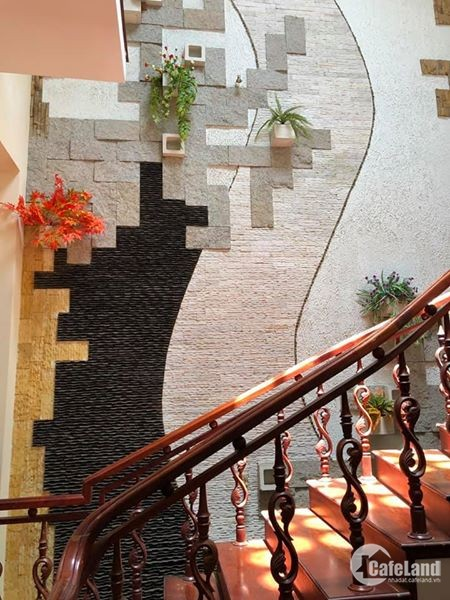 Bán nhà 4 tầng mặt tiền đường Nguyễn Hữu Thọ, giá bán: 14 tỷ, DT: 50m2
