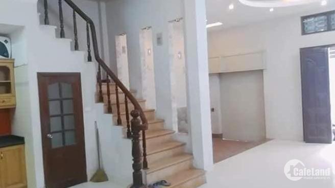 Bán nhà ngõ 48 Dương Quảng Hàm, dt sổ 60m2x4T, mt 6m, nở hậu 2 mặt ngõ. Giá 5.4tỷ!