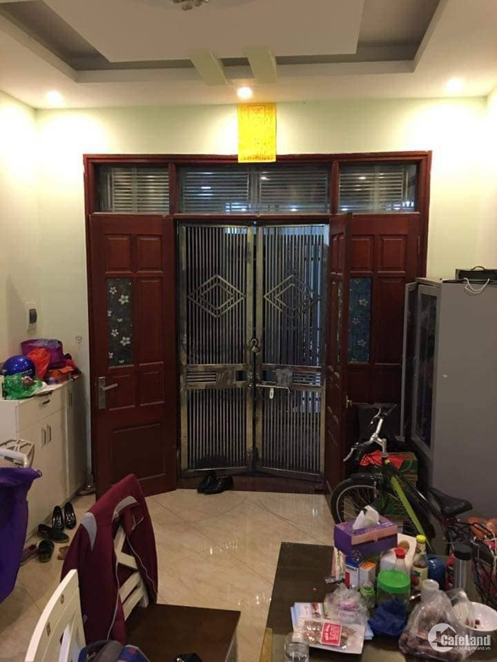Bán Gấp Nhà Phố Tây Sơn, Đống Đa, 5 tầng, 31m2, Kinh Doanh
