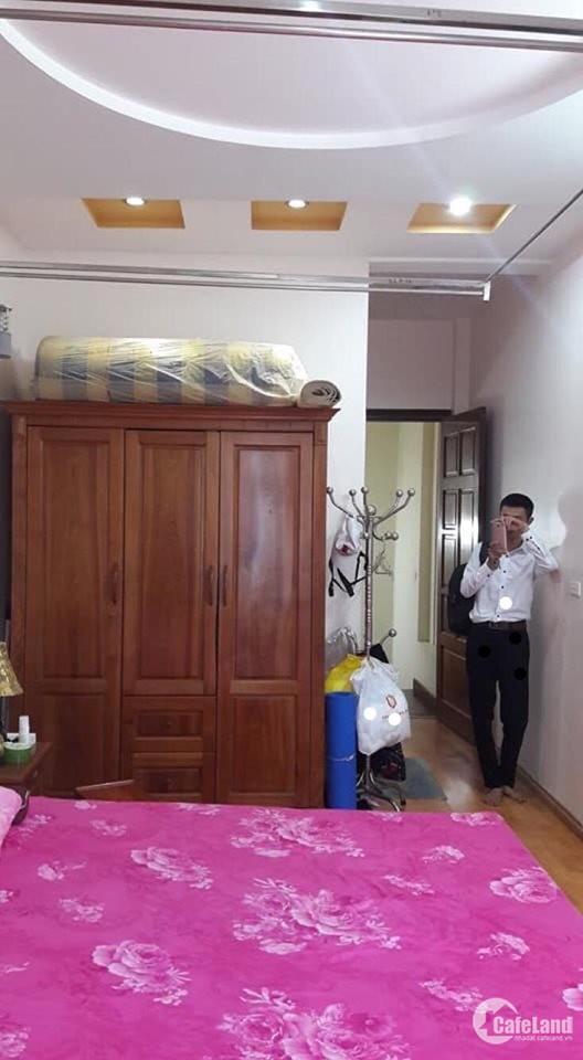 Bán nhà ở đẹp Phố Yên Phúc 5 tầng Thiết kế cao cấp 30m2 SĐCC.