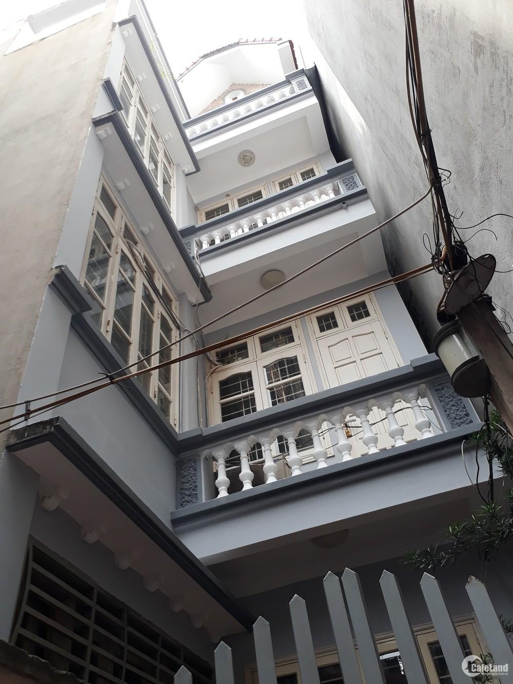 Bán nhà  Trương Định, Hai Bà Trưng hơn 3 tỷ 50m2, 2 mặt thoáng,ôtô 30m