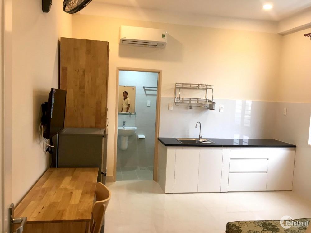 Cho thuê phòng đầy đủ tiện nghi, có bếp, cửa sổ, an ninh, Q4