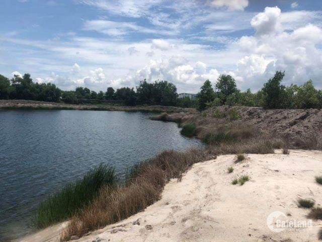Đất mặt tiền sân bay và hồ sinh thái