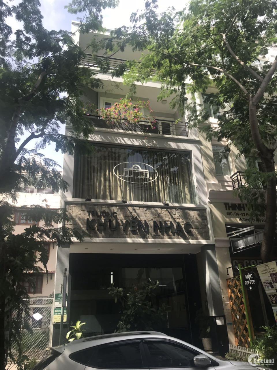 Cần cho thuê nhà phố Phú Mỹ Hưng khu Hưng Gia Hưng Phước. Diện tích 6x18.5m