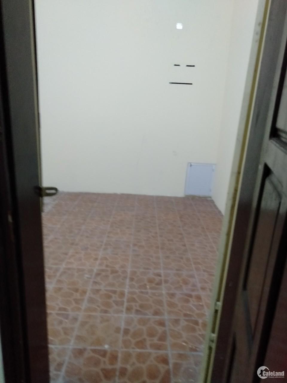 Nhà 55m2 ngõ phố Nguyễn Xiển mặt tiền 4,3m, 5 tầng, 8 phòng ngủ, cho thuê làm VP