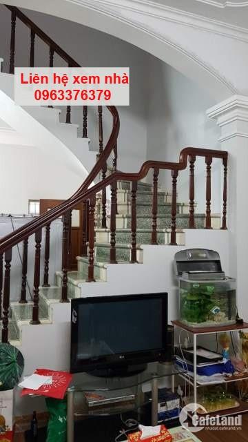 Nhà 64m2 ngõ phố Quan Nhân 2,5 tầng, 3 phòng ngủ, LH 0963376379