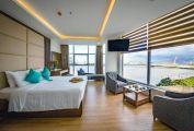 Bán khách sạn 4 sao đường Bạch Đằng, view Sông Hàn, ĐN.