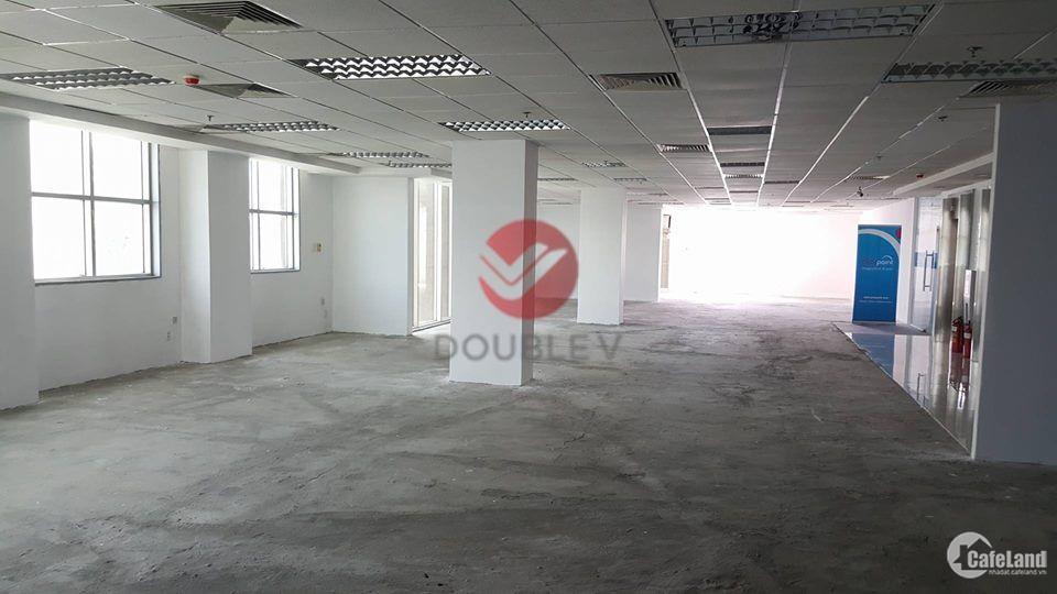 Văn phòng cho thuê đường Nguyễn Trãi, Quận 1, DT 160 m2 chỉ với $21/m2/th