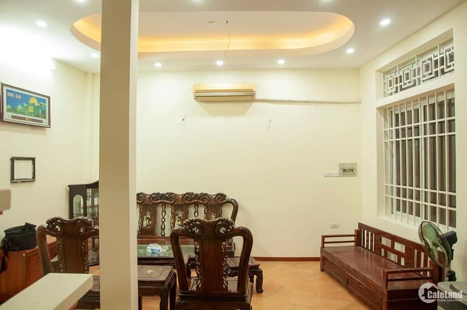 Chính chủ nhờ bán nhà 5 tầng ngõ to đẹp phố Thái Thịnh quận Đống Đa rẻ đẹp nhất