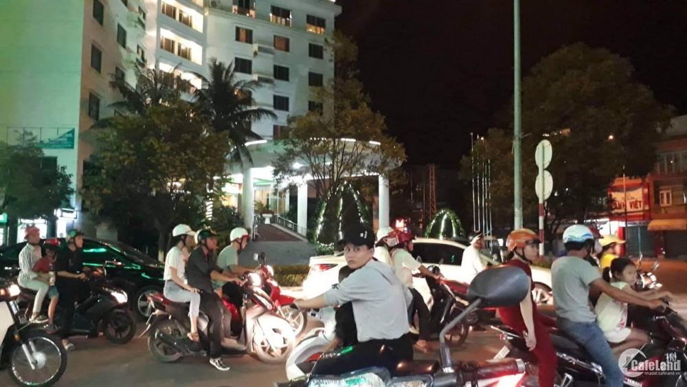 Cần bán căn nhà ngã tư Khách Sạn Trung Tâm, TP Quảng Ngãi