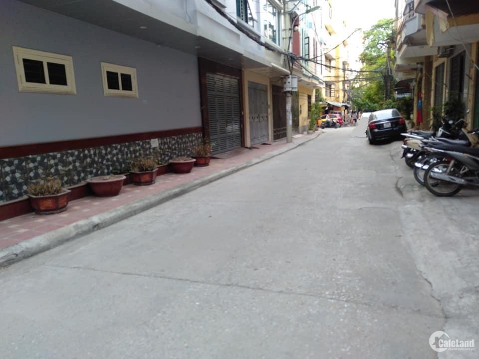 Bán Nhà Phùng Chí Kiên ngõ ô tô, DT 30m2 * 5 tầng. Giá 3,75 Tỷ